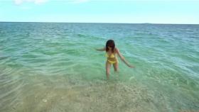 Ikuumi Hisamatsu frolicking on the beach090