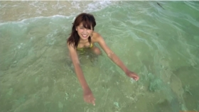 Ikuumi Hisamatsu frolicking on the beach095