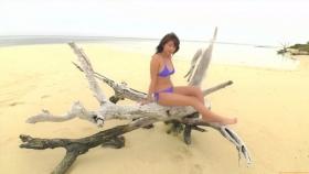 Ikuumi Hisamatsu frolicking on the beach117