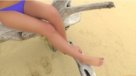 Ikuumi Hisamatsu frolicking on the beach120