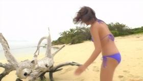 Ikuumi Hisamatsu frolicking on the beach150