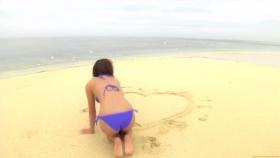 Ikuumi Hisamatsu frolicking on the beach165
