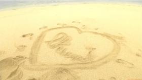 Ikuumi Hisamatsu frolicking on the beach171