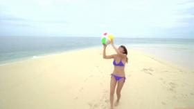 Ikuumi Hisamatsu frolicking on the beach186