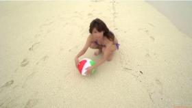 Ikuumi Hisamatsu frolicking on the beach203