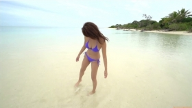 Ikuumi Hisamatsu frolicking on the beach208