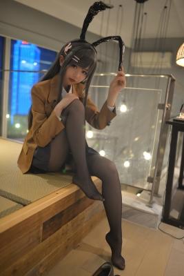 Mai Sakurajima Uniform Bunny Girl Youthful P ig Bastard Doesnt See Bunny Girl Senpais Dream055