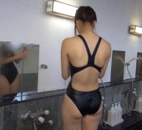 Shoko Hamada tight black swimming suit image shower bath arena arena003