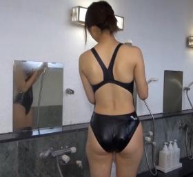 Shoko Hamada tight black swimming suit image shower bath arena arena006