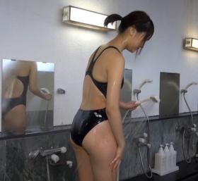 Shoko Hamada tight black swimming suit image shower bath arena arena009