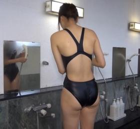 Shoko Hamada tight black swimming suit image shower bath arena arena005