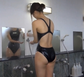 Shoko Hamada tight black swimming suit image shower bath arena arena015