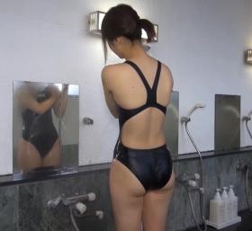 Shoko Hamada tight black swimming suit image shower bath arena arena012