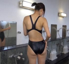Shoko Hamada tight black swimming suit image shower bath arena arena004
