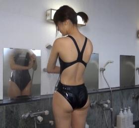 Shoko Hamada tight black swimming suit image shower bath arena arena014