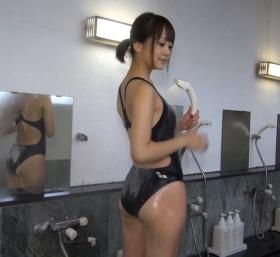 Shoko Hamada tight black swimming suit image shower bath arena arena008