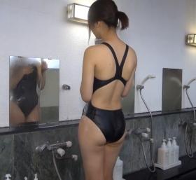 Shoko Hamada tight black swimming suit image shower bath arena arena011