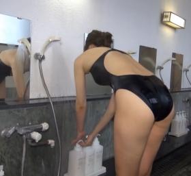 Shoko Hamada tight black swimming suit image shower bath arena arena027