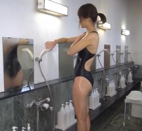Shoko Hamada tight black swimming suit image shower bath arena arena041
