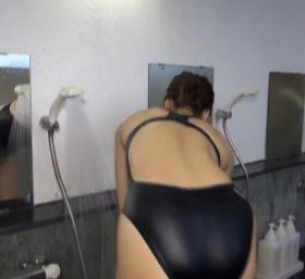Shoko Hamada tight black swimming suit image shower bath arena arena054