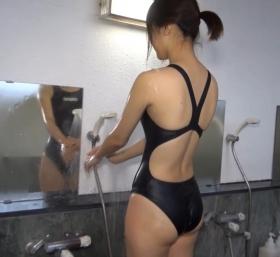 Shoko Hamada tight black swimming suit image shower bath arena arena048