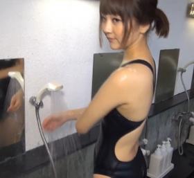 Shoko Hamada tight black swimming suit image shower bath arena arena050