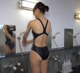 Shoko Hamada tight black swimming suit image shower bath arena arena045