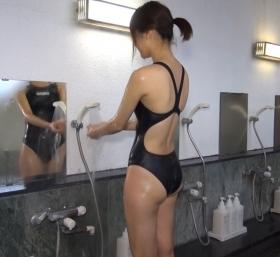 Shoko Hamada tight black swimming suit image shower bath arena arena044