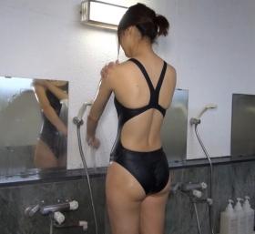 Shoko Hamada tight black swimming suit image shower bath arena arena047