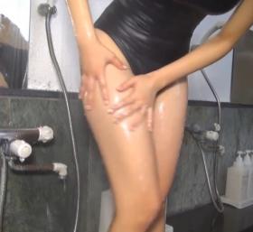 Shoko Hamada tight black swimming suit image shower bath arena arena062