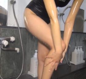 Shoko Hamada tight black swimming suit image shower bath arena arena063