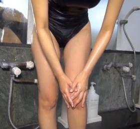 Shoko Hamada tight black swimming suit image shower bath arena arena065