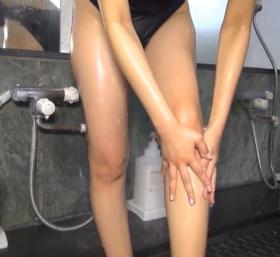 Shoko Hamada tight black swimming suit image shower bath arena arena069