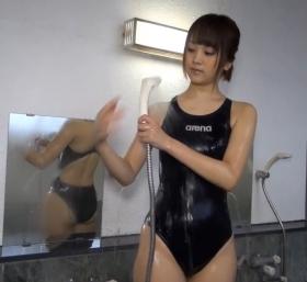 Shoko Hamada tight black swimming suit image shower bath arena arena081