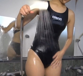 Shoko Hamada tight black swimming suit image shower bath arena arena083