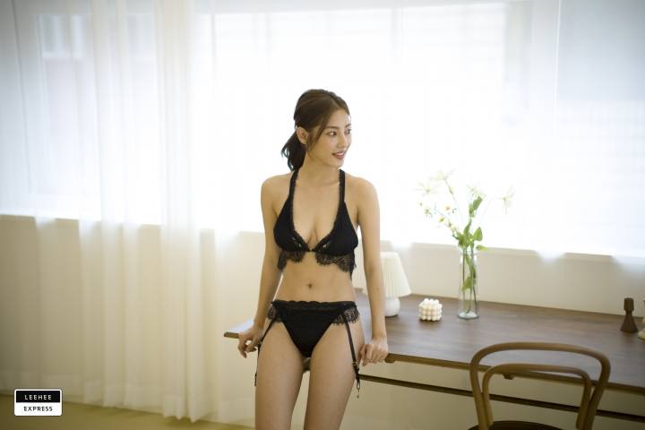 Gsu Floral bikini Black bikini Korean gravure model032