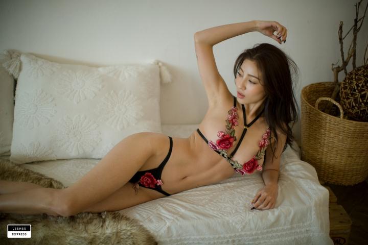 Gsu Floral bikini Black bikini Korean gravure model026
