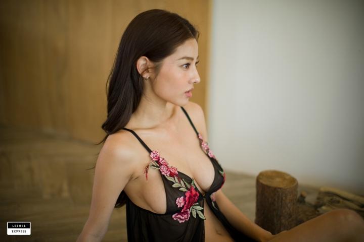 Gsu Floral bikini Black bikini Korean gravure model042