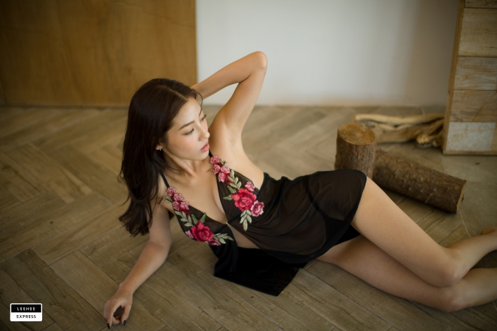 Gsu Floral bikini Black bikini Korean gravure model045