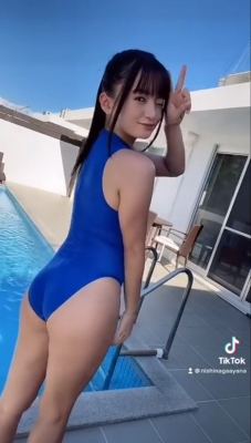 The most popular swimsuit on TikTok 13 million views Speedo Speedo013