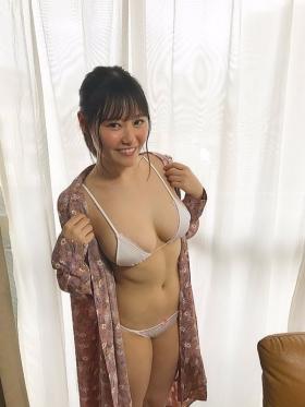 Miyu Higashisaka Miyu Breasts Swaying040