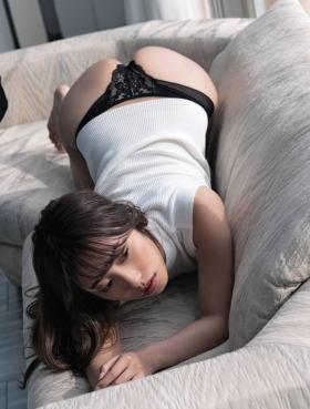 Mizuki Takanashi with a healthy body006