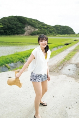 Aika Sawaguchi The Summer of Attacking with an Invincible Smile018
