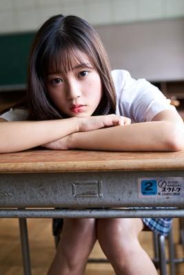 Arina Mitsuno 18 looks like shes about to burst into a fresh bikini014