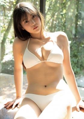 Arina Mitsuno 18 looks like shes about to burst into a fresh bikini020