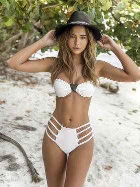 Sandra Kubicka Polish model model with great style swimsuit bikini001