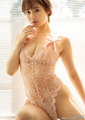 The erotic body of Kazusa Okuyama, Japans most successful actress005