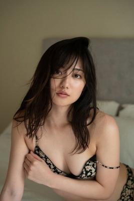 The erotic body of Kazusa Okuyama, Japans most successful actress012