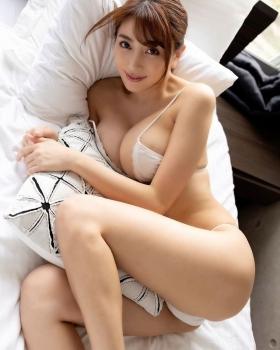 Tomomi Morisaki Dynamite body Gtits 7 changes051