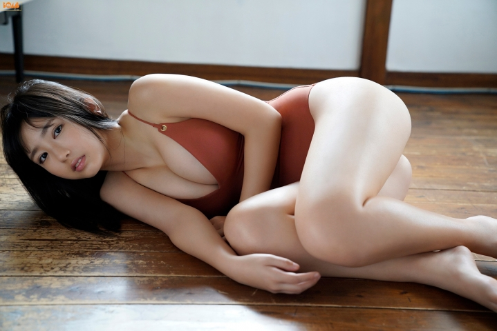 Aika Sawaguchithe new queen of gravure at 16 Im so excited017